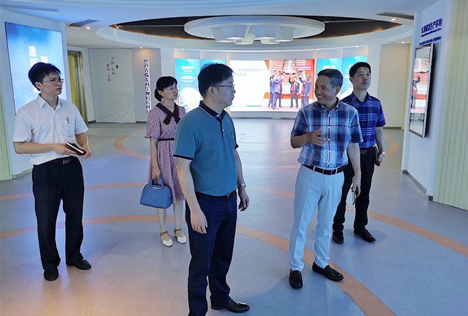安吉县领导徐卫勇一行赴泰林生物考察